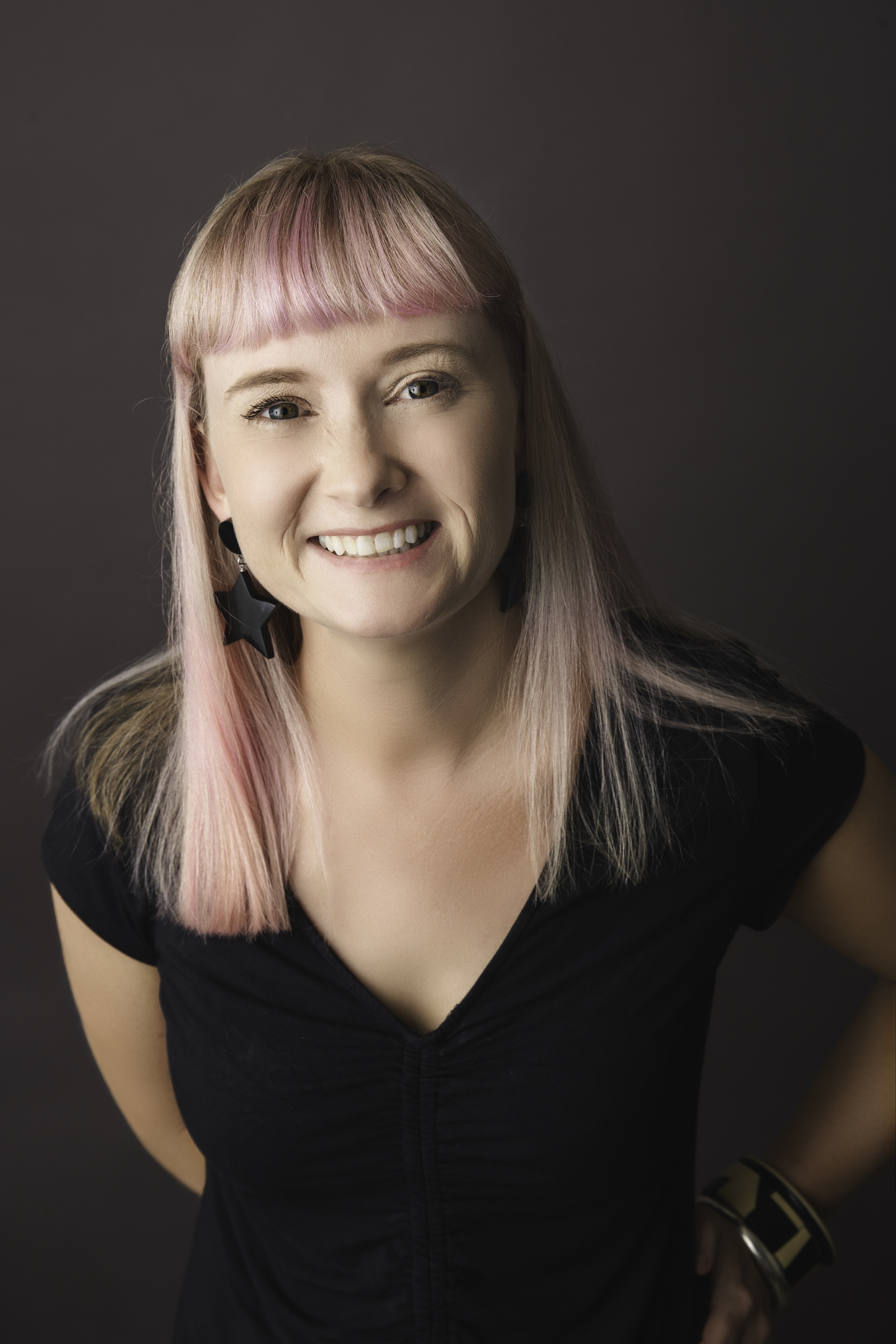 Megan BIO PHOTO (1)